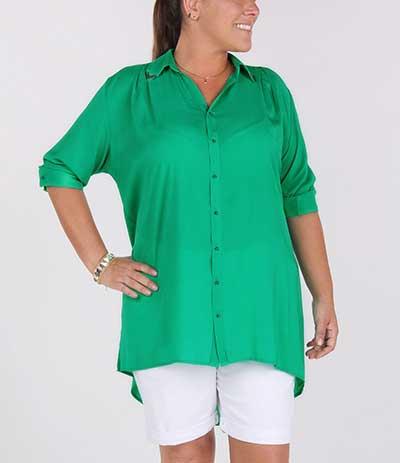 Camisas Plus Size Femininas Online  Fotos e Modelos 07bb0e538b2